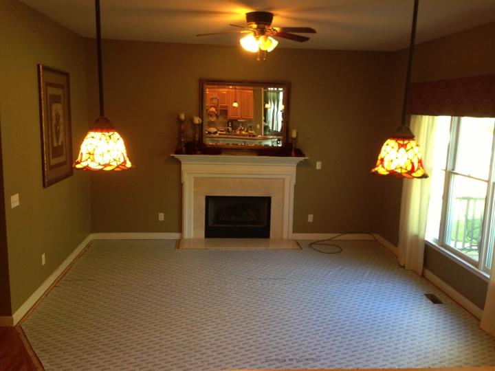 Carpet Install Pics 2013.077